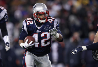 FOXBORO, MA - JANUARY 14:  BenJarvus Green-Ellis #42 of the New England Patriots runs the ball against the Denver Broncos during their AFC Divisional Playoff Game at Gillette Stadium on January 14, 2012 in Foxboro, Massachusetts.  (Photo by Elsa/Getty Ima