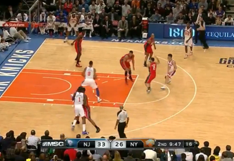 Lin gets the pass to Jeffries, who goes to the basket unimpeded.