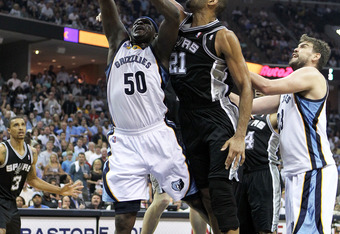 MEMPHIS, TN - APRIL 29: Zach Randolph #50 of the Memphis Grizzlies shoots the ball while defended by Tim Duncan #21 of the San Antonio Spurs during the Grizzlies 99-91 win over the Spurs  in Game Six of the Western Conference Quarterfinals in the 2011 NBA