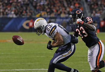 CHICAGO, IL - NOVEMBER 20: Vincent Jackson #83 of the San Diego Chargers drops a pass under pressure from Charles Tillman #33 of the Chicago Bears at Soldier Field on November 20, 2011 in Chicago, Illinois. The Bears defeated the Chargers 31-20.  (Photo b