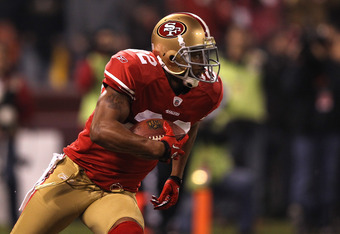 The 49ers would like Carlos Rogers to return