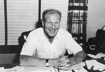 Sending six figures in cash and three players to Brooklyn, Bill Veeck essentially pinned the Browns' final hope of staying in St. Louis on Billy Hunter.