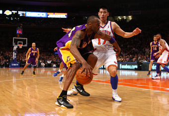 Lin closes in on Kobe Bryant.