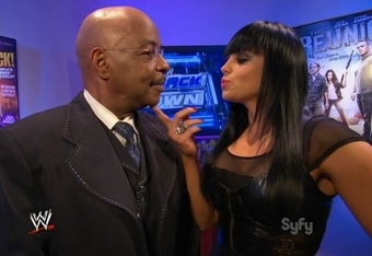 Now they have her seducing SmackDown GM Teddy Long.