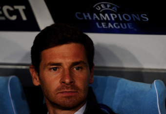 NAPLES, ITALY - FEBRUARY 21:  Andre Villas-Boas the Chelsea manager looks on during the UEFA Champions League round of 16 first leg match between SSC Napoli and Chelsea FC at Stadio San Paolo on February 21, 2012 in Naples, Italy.  (Photo by Mike Hewitt/G