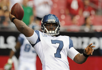 GLENDALE, AZ - JANUARY 01:  Tavaris Jackson #7 of the Seattle Seahawks throws a few warm-up passes prior to kick-off against the Arizona Cardinals at University of Phoenix Stadium on January 1, 2012 in Glendale, Arizona.  (Photo by Norm Hall/Getty Images)