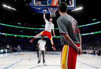 Budinger dunking over P Diddy