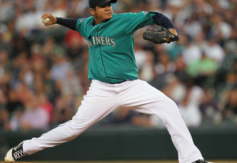 SEATTLE - SEPTEMBER 12:  Starting pitcher Felix Hernandez #34 of the Seattle Mariners pitches against the New York Yankees at Safeco Field on September 12, 2011 in Seattle, Washington. (Photo by Otto Greule Jr/Getty Images)