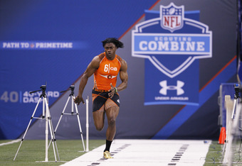 INDIANAPOLIS, IN - FEBRUARY 26: Quarterback Robert Griffin III of Baylor runs the 40-yard dash during the 2012 NFL Combine at Lucas Oil Stadium on February 26, 2012 in Indianapolis, Indiana. (Photo by Joe Robbins/Getty Images)