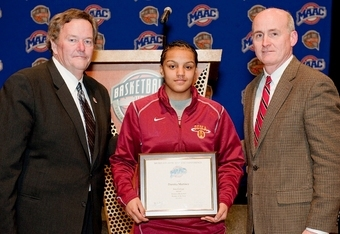 "Rins Ensor and Tim Murray Present ""Rookie of Year"" Award to Iona's Danika Martinez (Iona Athletics)"