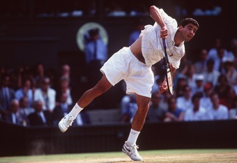 9 JUL 1995:  PETE SAMPRAS OF THE UNITED STATES SERVES DURING THE MENS FINAL AGAINST BORIS BECKER OF GERMANY AT WIMBLEDON. SAMPRAS WON THE MATCH 6-7 (2-7), 6-2, 6-4, 6-2. Mandatory Credit: Clive Brunskill/ALLSPORT