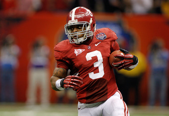 NEW ORLEANS, LA - JANUARY 09:  Trent Richardson #3 of the Alabama Crimson Tide runs with the ball against the Louisiana State University Tigers during the 2012 Allstate BCS National Championship Game at Mercedes-Benz Superdome on January 9, 2012 in New Or