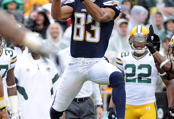 SAN DIEGO, CA - NOVEMBER 06:  Vincent Jackson #83 of the San Diego Chargers jumps for a catch against the Green Bay Packers at Qualcomm Stadium on November 6, 2011 in San Diego, California.  (Photo by Harry How/Getty Images)