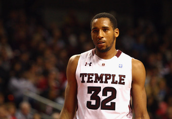 PHILADELPHIA, PA - DECEMBER 10:  Rahlir Hollis-Jefferson #32 of the Temple Owls looks on against the Villanova Wildcats at the Liacouras Center on December 10, 2011 in Philadelphia, Pennsylvania.  (Photo by Chris Chambers/Getty Images)