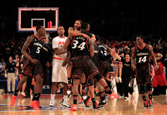 Cincinnati 71, (2) Syracuse 68 in the semifinals of the Big East tournament at Madison Square Garden