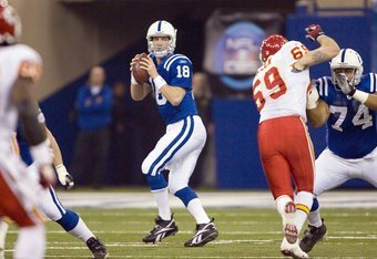Peyton Manning tries to avoid Jared Allen in 2007. Colts won, 13-10.
