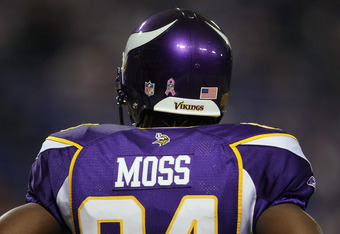 MINNEAPOLIS - OCTOBER 17:  Wide receiver Randy Moss #84 the Minnesota Vikings looks on prior to the start of the game against the Dallas Cowboys at Mall of America Field on October 17, 2010 in Minneapolis, Minnesota.  (Photo by Jeff Gross/Getty Images)
