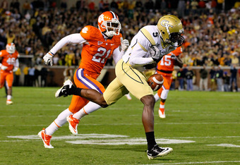 ATLANTA, GA - OCTOBER 29:  Stephen Hill #5 of the Georgia Tech Yellow Jackets fails to pull in this reception against Darius Robinson #21 of the Clemson Tigers at Bobby Dodd Stadium on October 29, 2011 in Atlanta, Georgia.  (Photo by Kevin C. Cox/Getty Im