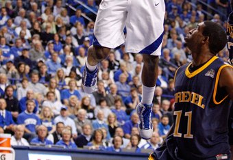 LEXINGTON, KY - DECEMBER 21:  John Wall #11 of the Kentucky Wildcats shoots the ball during the game against the Drexel Dragons at Rupp Arena on December 21, 2009 in Lexington, Kentucky.  (Photo by Andy Lyons/Getty Images)