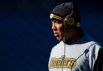 DENVER, CO - JANUARY 8:  Wide receiver Hines Ward #86 of the Pittsburgh Steelers walk on the field before taking on the Denver Broncos in the 2012 AFC Wild Card Playoff game at Sports Authority Field at Mile High on January 8, 2012 in Denver, Colorado. (P