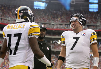 GLENDALE, AZ - OCTOBER 23:  Wide receiver Mike Wallace #17 of the Pittsburgh Steelers talks with Ben Roethlisberger #7 after scoring on a 95 touchdown reception against the Arizona Cardinals during the second quarter of the NFL game at the University of P