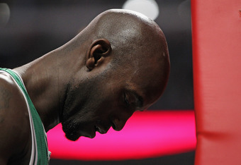 CHICAGO, IL - FEBRUARY 16: Kevin Garnett #5 of the Boston Celtics prepares to play against the Chicago Bulls at the United Center on February 16, 2012 in Chicago, Illinois. The Bulls defeated the Celtics 89-80. NOTE TO USER: User expressly acknowledges an