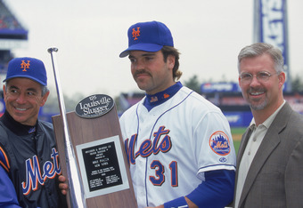 Seen here with Mike Piazza, Bobby Valentine frequently clashed with former Mets GM Steve Phillips when the two were together in New York.