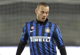 VERONA, ITALY - MARCH 09:  Wesley Sneijder of Inter Milan runs with the ball during the Serie A match between AC Chievo Verona and FC Internazionale Milano at Stadio Marc'Antonio Bentegodi on March 9, 2012 in Verona, Italy.  (Photo by Dino Panato/Getty Im