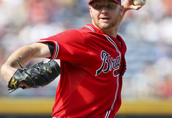 ATLANTA, GA - SEPTEMBER 18: Jonny Venters #39 of the Atlanta Braves pitches in the game against the New York Mets at Turner Field on September 18, 2011 in Atlanta, Georgia. The Mets beat the Braves 7-5. (Photo by Daniel Shirey/Getty Images)