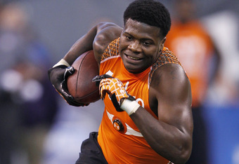 INDIANAPOLIS, IN - FEBRUARY 26: Wide receiver Kendall Wright of Baylor runs a drill during the 2012 NFL Combine at Lucas Oil Stadium on February 26, 2012 in Indianapolis, Indiana. (Photo by Joe Robbins/Getty Images)