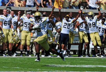 ATLANTA, GA - SEPTEMBER 24:  Stephen Hill #5 of the Georgia Tech Yellow Jackets makes a catch for a 59-yard touchdown against the North Carolina Tar Heels at Bobby Dodd Field on September 24, 2011 in Atlanta, Georgia. (Photo by Scott Cunningham/Getty Imag