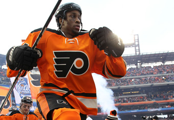 PHILADELPHIA, PA - JANUARY 02: Wayne Simmonds #17 of the Philadelphia Flyers takes the ice before playing against the New York Rangers during the 2012 Bridgestone NHL Winter Classic at Citizens Bank Park on January 2, 2012 in Philadelphia, Pennsylvania.