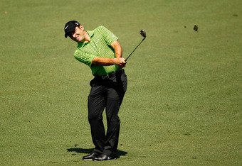 AUGUSTA, GA - APRIL 05:  Francesco Molinari of Italy hits an approach shot on the second hole during the first round of the 2012 Masters Tournament at Augusta National Golf Club on April 5, 2012 in Augusta, Georgia.  (Photo by Streeter Lecka/Getty Images)