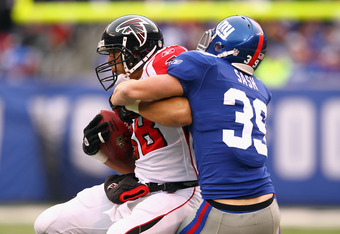 Tyler Sash was phenomenal on special teams. He will get a shot to earn a place on the Giants defensive unit in 2012.