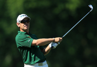 AUGUSTA, GA - APRIL 08:  Louis Oosthuizen of South Africa hits a shot on the fifth hole during the final round of the 2012 Masters Tournament at Augusta National Golf Club on April 8, 2012 in Augusta, Georgia.  (Photo by David Cannon/Getty Images)