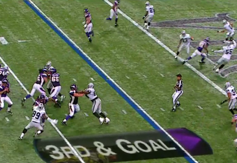 Ponder leaves a play out on the field when he shifts his eyes from flats.