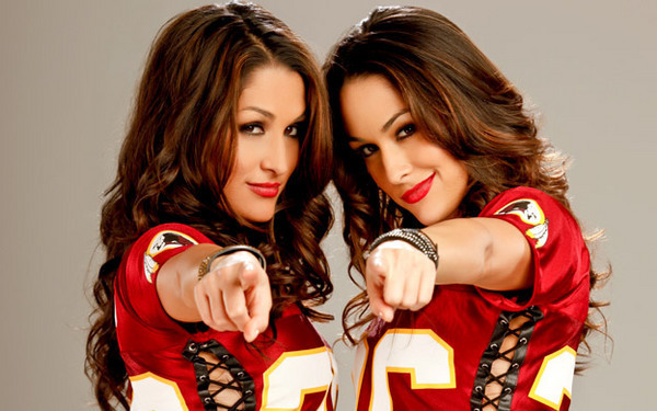 wwe-foto-bella-twins-agli-mtv-europe-music-awards