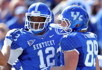 Kentucky TE Tyler Robinson (right)