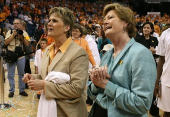 Holly Warlick and Pat Summitt in 2008.