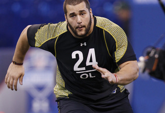 INDIANAPOLIS, IN - FEBRUARY 25:  Offensive lineman Matt Kalil of USC participates in a drill during the 2012 NFL Combine at Lucas Oil Stadium on February 25, 2012 in Indianapolis, Indiana. (Photo by Joe Robbins/Getty Images)