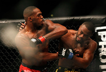 ATLANTA, GA - APRIL 21:  Jon Jones (L) elbows Rashad Evans during their light heavyweight title bout for UFC 145 at Philips Arena on April 21, 2012 in Atlanta, Georgia.  (Photo by Kevin C. Cox/Getty Images)