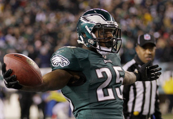 PHILADELPHIA, PA - DECEMBER 18:  LeSean McCoy #25 of the Philadelphia Eagles celebrates after scoring a touchdown against the New York Jets during the second half at Lincoln Financial Field on December 18, 2011 in Philadelphia, Pennsylvania.  (Photo by Ro