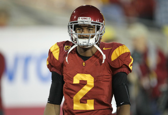 LOS ANGELES, CA - NOVEMBER 26:  Wide receiver Robert Woods #2 of the USC Trojans gets ready for the game with the UCLA Bruins at the Los Angeles Memorial Coliseum on November 26, 2011 in Los Angeles, California.  (Photo by Stephen Dunn/Getty Images)