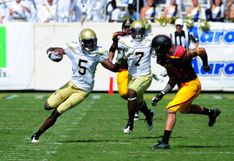 ATLANTA, GA - OCTOBER 8: Stephen Hill of the Georgia Tech Yellow Jackets carries the ball against the Maryland Terrapins at Bobby Dodd Stadium on October 8, 2011 in Atlanta, Georgia. Photo by Scott Cunningham/Getty Images)