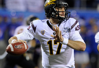 LAS VEGAS, NV - DECEMBER 22:  Brock Osweiler #17 of the Arizona State Sun Devils throws against the Boise State Broncos during the MAACO Bowl Las Vegas at Sam Boyd Stadium December 22, 2011 in Las Vegas, Nevada. Boise State won 56-24.  (Photo by Ethan Mil