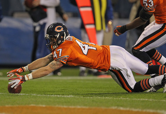 CHICAGO, IL - NOVEMBER 13: Chris Conte #47 of the Chicago Bears moves to a loose ball against the Detroit Lions at Soldier Field on November 13, 2011 in Chicago, Illinois. The Bears defeated the Lions 37-13. (Photo by Jonathan Daniel/Getty Images)