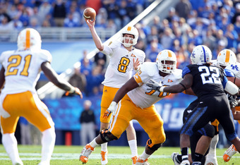 LEXINGTON, KY - NOVEMBER 26:  Tyler Bray #8 of the Tennessee Volunteers throws a pass during the game against the Kentucky Wildcats  at Commonwealth Stadium on November 26, 2011 in Lexington, Kentucky.  (Photo by Andy Lyons/Getty Images)