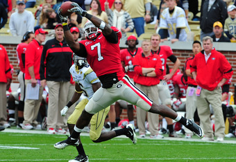 ATLANTA, GA - NOVEMBER 26: Orson Charles #7 of the Georgia Bulldogs makes a catch against the Georgia Tech Yellow Jackets at Bobby Dodd Stadium on November 26, 2011 in Atlanta, Georgia. (Photo by Scott Cunningham/Getty Images)