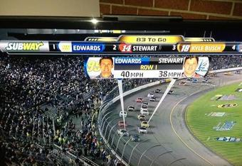 Carl Edwards' car is ahead of Tony's on track. But Kyle's car is clearly fourth on track, and third on ticker. Somethin' ain't right.
