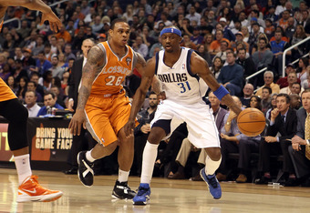PHOENIX, AZ - MARCH 08:  Jason Terry #31 of the Dallas Mavericks handles the ball during the NBA game against the Phoenix Suns at US Airways Center on March 8, 2012 in Phoenix, Arizona.  The Suns defeated the Mavericks 96-94.  NOTE TO USER: User expressly